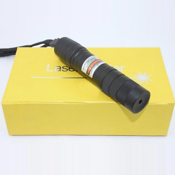 300mW adjustable focus green laser pointer
